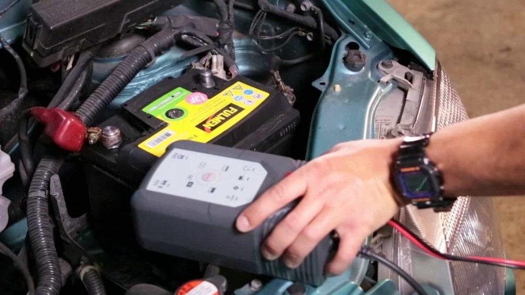 Chargeur de batterie auto